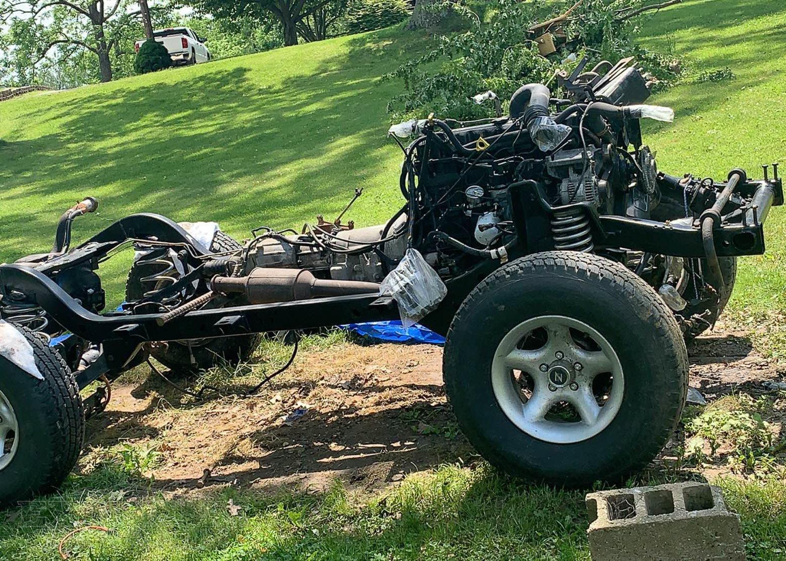 jeep wrangler 4 0 2 4l engine diagram jeep wrangler drivetrain explained  jeep wrangler drivetrain explained